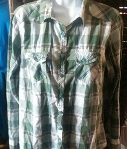 Tops - Long Sleeve Fitted Button up Shirt Sz M 8/10